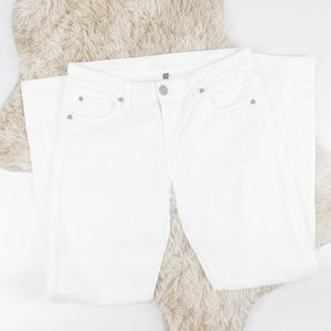 Kut from the Kloth Size 6 White Straight Leg Denim